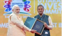Prime Minister Shri Narendra Modi and Chief Minister of Uttarakhand Shri Trivendra Singh Rawat at Destination Uttarakhand: Investors' Summit 2018