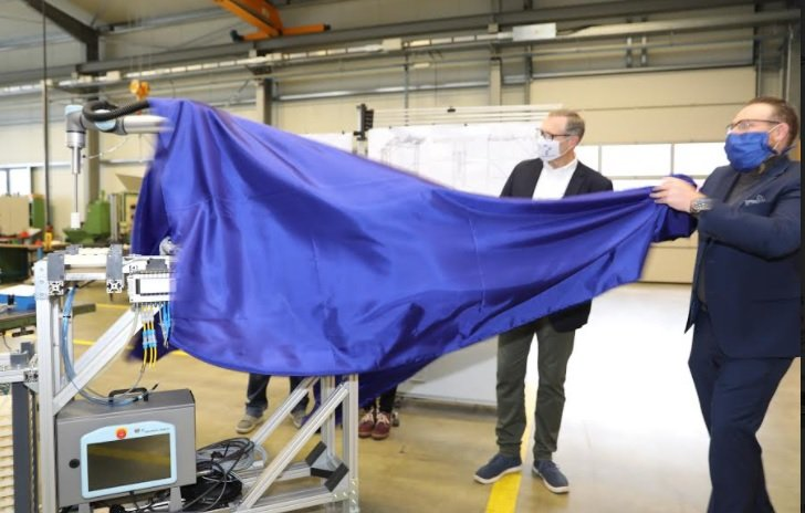 Universal Robots celebrates unprecedented sales with the delivery of its 50,000th unit to German company VEMA GmbH